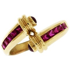 Yellow Gold Ruby and Cabochon Crossover Ring