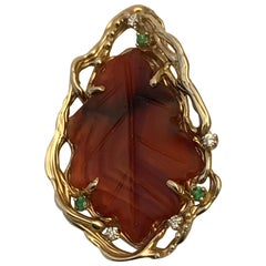Lacuna Agate Leaf Pendant in 14 Karat Gold with Emeralds and Diamonds