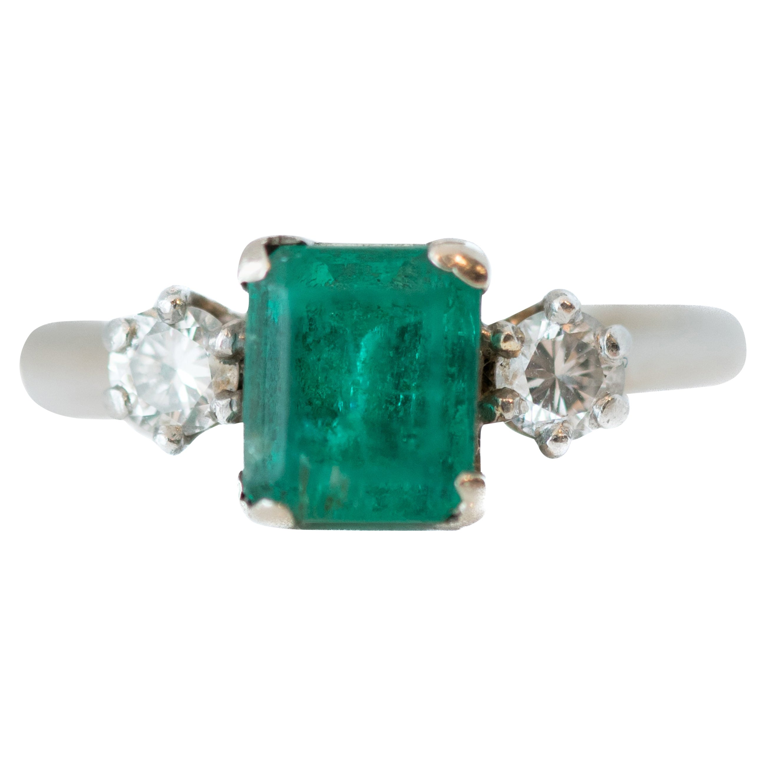 1950s 1 Carat Emerald and 0.20 Carat Diamond 14 Karat Gold Ring