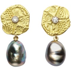 18 Karat Gold Starfish Disc and Diamond Earrings with Tahitian Baroque Pearls