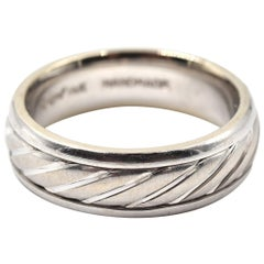 14 Karat White Gold Gents Twisted Design with Brushed Center Wedding Band