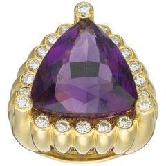 David Webb 18 Karat Yellow Gold Trillion 32.05 Carat Amethyst Diamond Ring