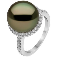 Yoko London Pistachio-Colored Tahitian Pearl and Diamond Ring in 18 Karat Gold