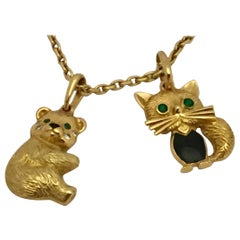 18 Karat Gold Van Cleef & Arpels Cat and Bear Pendant with Chain