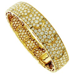 15 Carat Diamond and 18 Karat Yellow Gold Cartier Bracelet