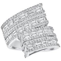 18 Karat White Gold Baguette Diamond Statement Ring