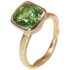 Cushion Cut Green Tourmaline 18 Karat Gold Textured Cocktail Ring