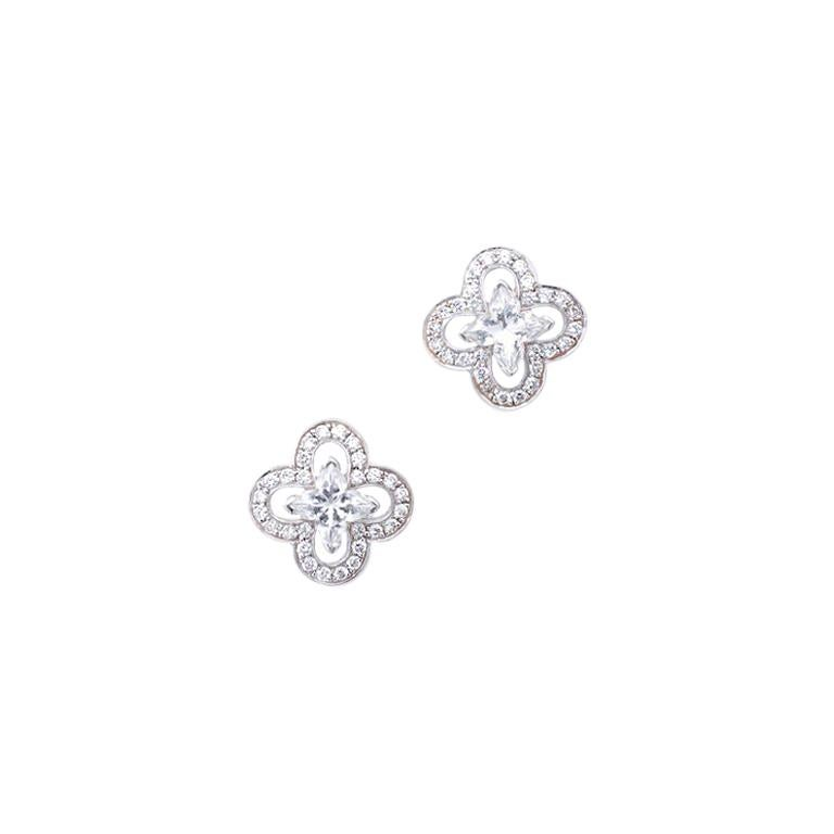 2cb65d1365312 Louis Vuitton Diamond Gold Earrings at 1stdibs