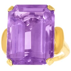 Retro 1950s Amethyst Set Gold Ring