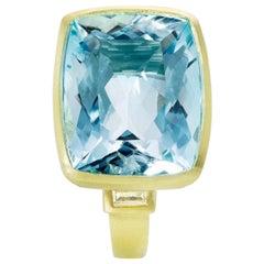Faye Kim 10.05 Carat Aquamarine and Diamond Ring in 18 Karat Gold