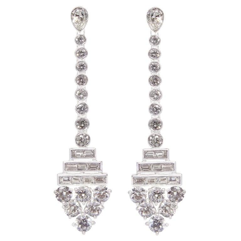 18K Gold Diamond Earrings For Sale