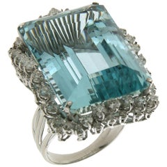 Brazilian Aquamarine 18 Karat White Gold Diamonds Cocktail Ring