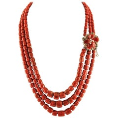 Diamond Ruby Emerald Sapphire Pearls Gold Silver Flower Clasp Coral Necklace