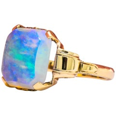 Antique 1920s Jelly Opal 10 Karat Gold Art Deco Ring