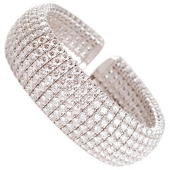 """Trident"" 36.93 Carat Diamonds White Gold Bracelet"