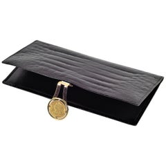 Elegant Vintage Gucci Leather Checkbook Wallet with Solid Gold Coin Clasp