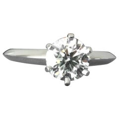Tiffany & Co. Platinum Diamond .90 Carat Round Engagement Ring I VVS2