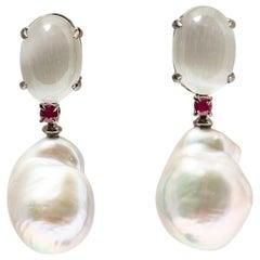 Dangling Earrings in Black Gold and Baroque Pearl, Rubis, Grey Quartz