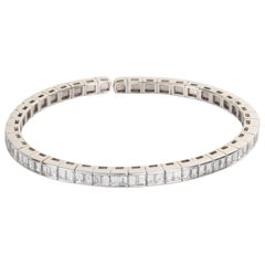18 Karat White Gold Baguette Cut Diamond Flexible Cuff Bangle