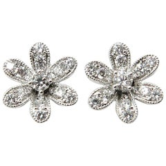 Flower Diamond 18 Karat White Gold Stud Earrings