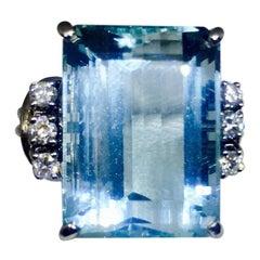 Midcentury 1950s 19 Carat Aquamarine VS Diamond Halo Cocktail Ring