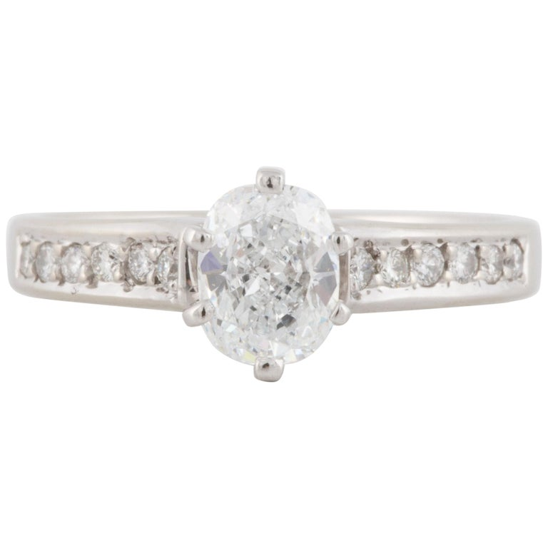 18 Karat Cushion Cut Diamond Engagement Ring For Sale