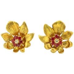 Kutchinsky, 18 Karat Gold Flower Earrings with Rubies and Diamonds, London, 1965