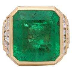 Bulgari Emerald Diamond Gold Ring