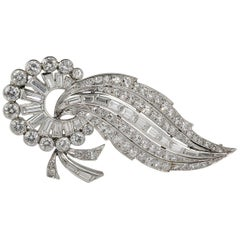 Spectacular Art Deco 6.15 Carat Diamond Platinum Comet Brooch