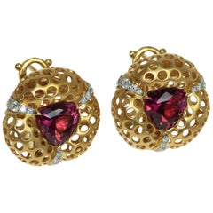 Rhodolite Garnet 4.03 Carat Diamonds 18 Karat Yellow Gold Earrings
