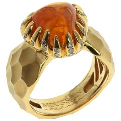 Spessartine Cabochon Champagne Diamonds 18 Karat Yellow Gold Ring