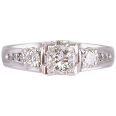 0.75 Carat Diamond Princess Cut Centre Engagement Ring in Platinum