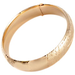 Textured Gold Bangle in 14 Karat Yellow Gold