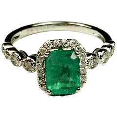 1.10 Carat Emerald White Gold Cocktail Ring