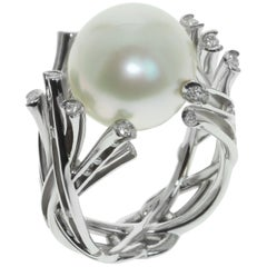White South Sea Pearl Diamonds 18 Karat White Gold Ring