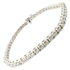 18 Karat White Gold Diamond Tennis Bracelet 2.0 Carat