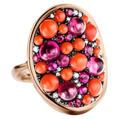Joke Quick Coral, 2,53 carat Ruby & Diamond Pave Cocktail Ring