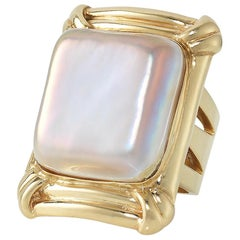 Yellow Gold Mother-of-Pearl Ring