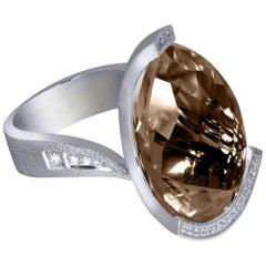 Alex Soldier Diamant Rauchquarz Weißgold Texturierter Schwan Ring