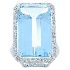 22.59 Carat Emerald Cut Aquamarine and Diamond Cocktail Ring in 18 Karat Gold
