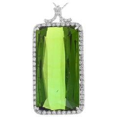 81,00 Karat Smaragd Grüner Turmalin und Diamant-Anhänger In 18K Weißgold
