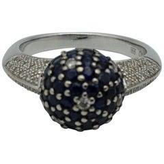 18 Karat White Gold, Diamonds and Sapphire Ring