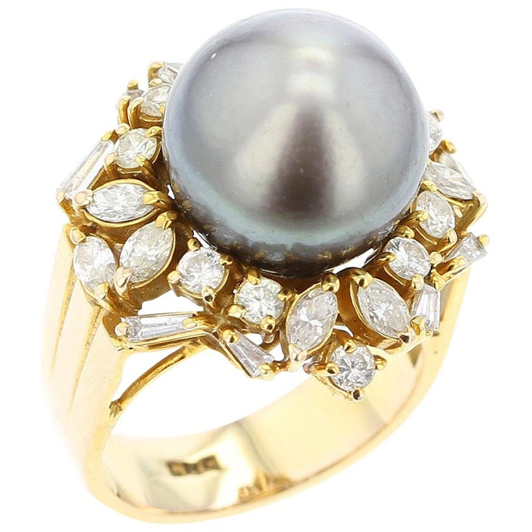 Gray Tahitian Cultured Pearl and Diamond Ring, 14 Karat Yellow Gold For Sale