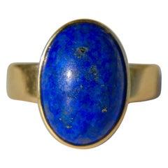 Vintage Midcentury 5.81 Carat Lapis Lazuli 14 Karat Gold Oval Cabochon Ring