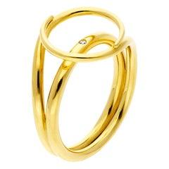 Misui Medium Fluent Ring in 18 Karat Gold with a White Diamond