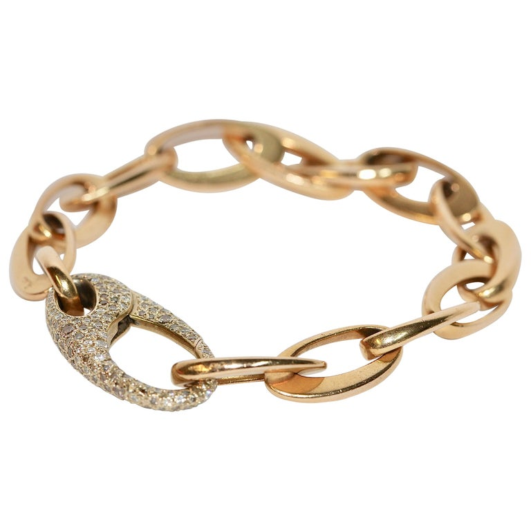Beautiful Designer Chain Bracelet Made by Pomellato, 18 Karat Gold with Diamonds For Sale