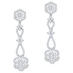 3.65 Karat Total Gewicht Diamant Blumen-Design Tropfenohrringe 18 Karat Gold