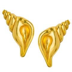 Lalaounis Shell Earclips