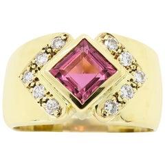 18 Karat Gold Pink Gemstone Diamond Ring