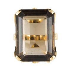 1960s Retro 14 Carat Smoky Quartz Yellow Gold Ring